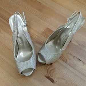 Michaelangelo Heels   Gold   Glitter   Size 6.5